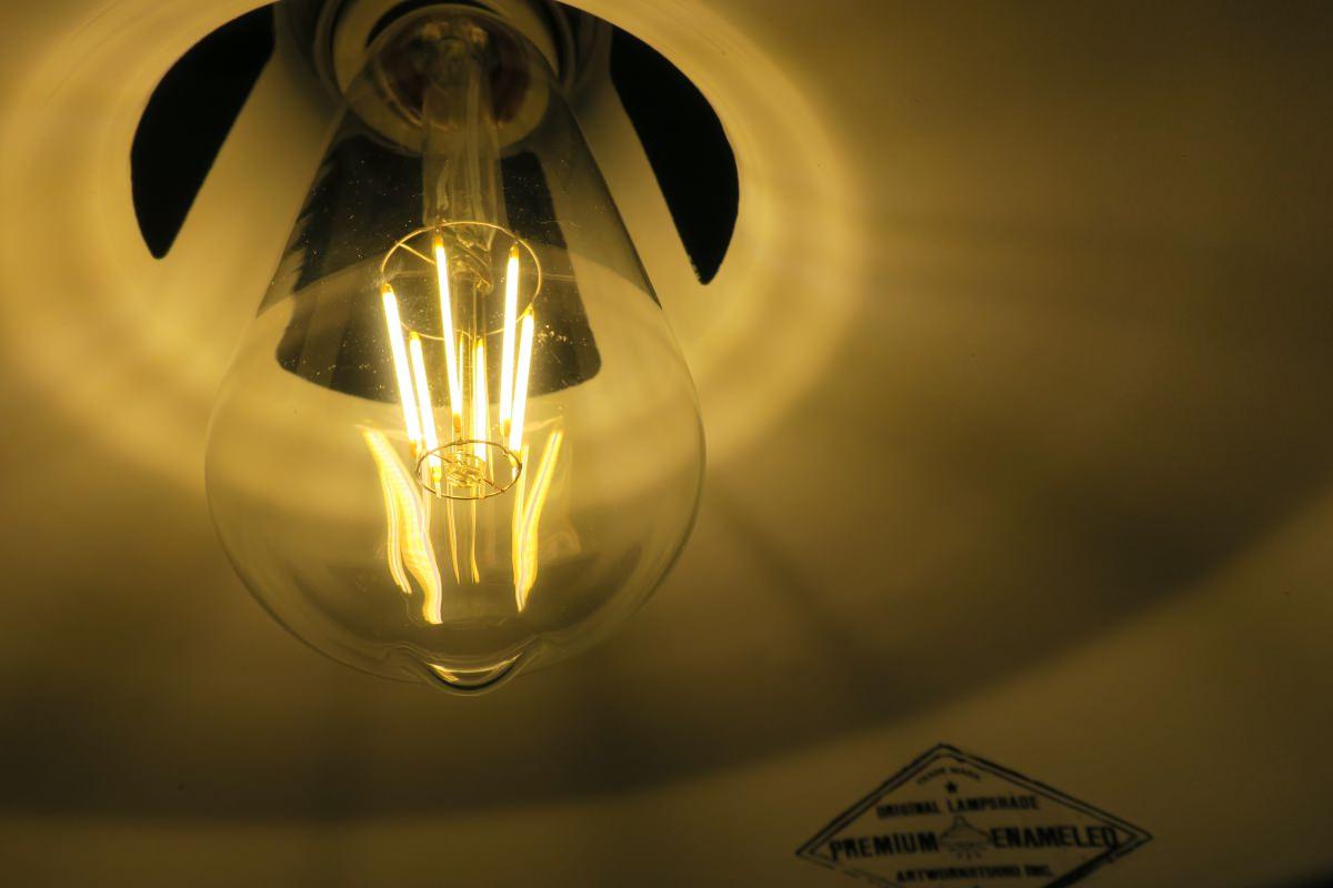 寝室の照明にLEDエジソン電球を使う