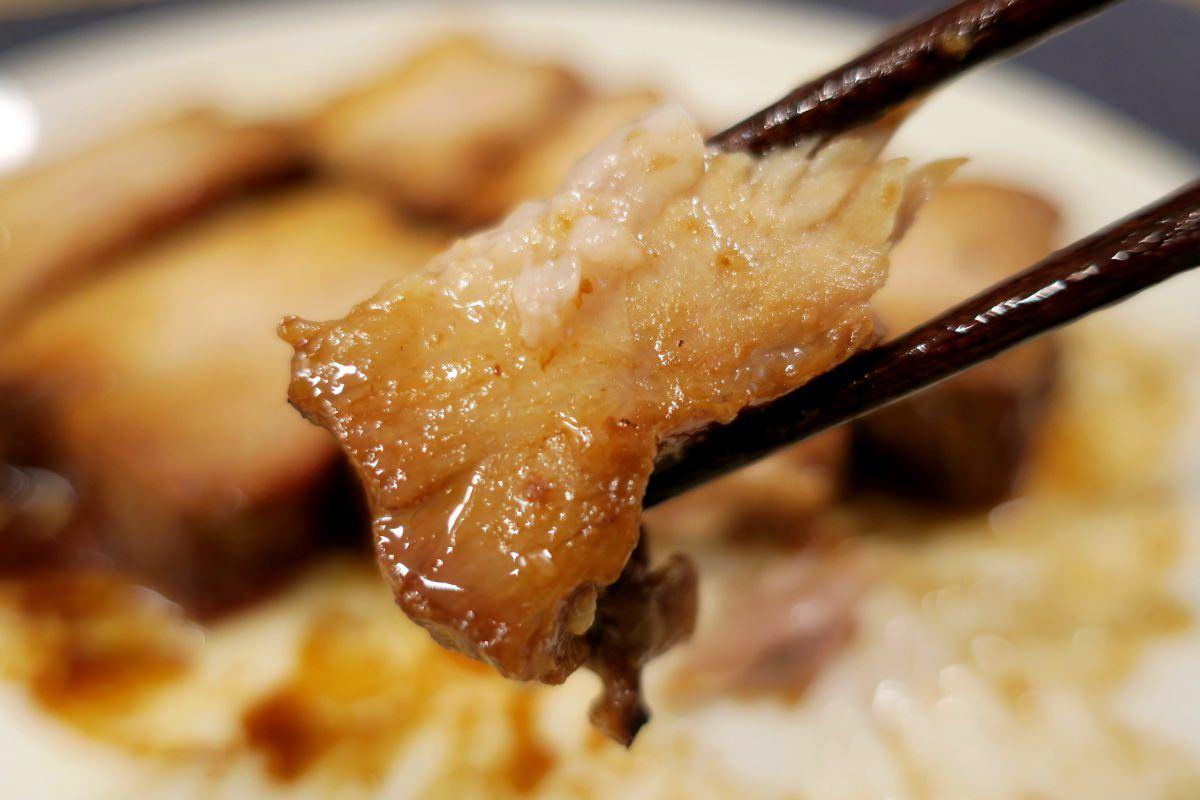 米久の豚肉の味噌煮込みは柔らかい