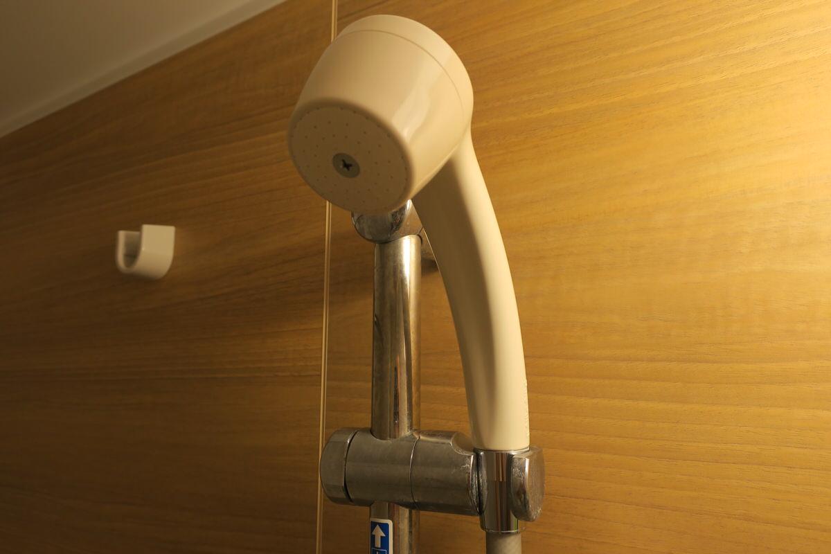 クリンスイの塩素除去シャワーヘッドを風呂場に設置