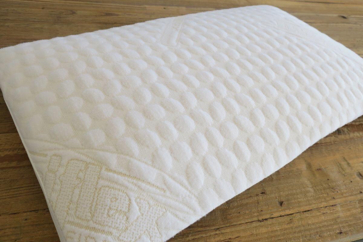 マニフレックスの枕『フラットピッコロ』