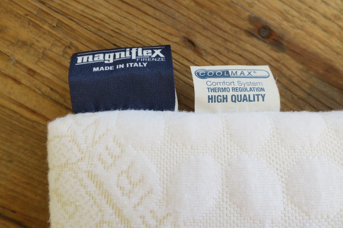 イタリア製のマニフレックス枕
