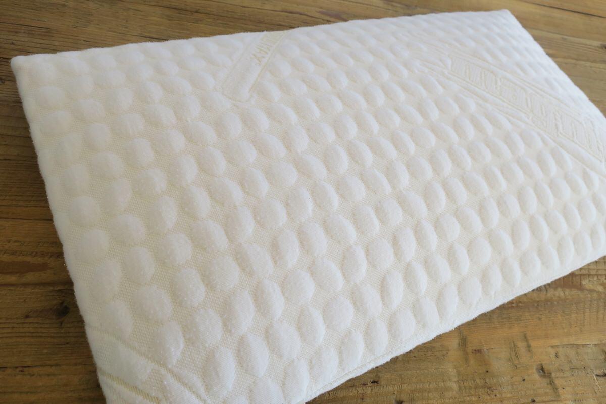 長期保証のフラットピッコロ枕はへたりにくい。