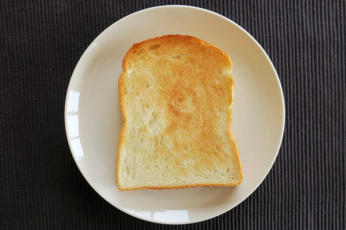 無印良品のオーブントースター縦型で焼いたパン