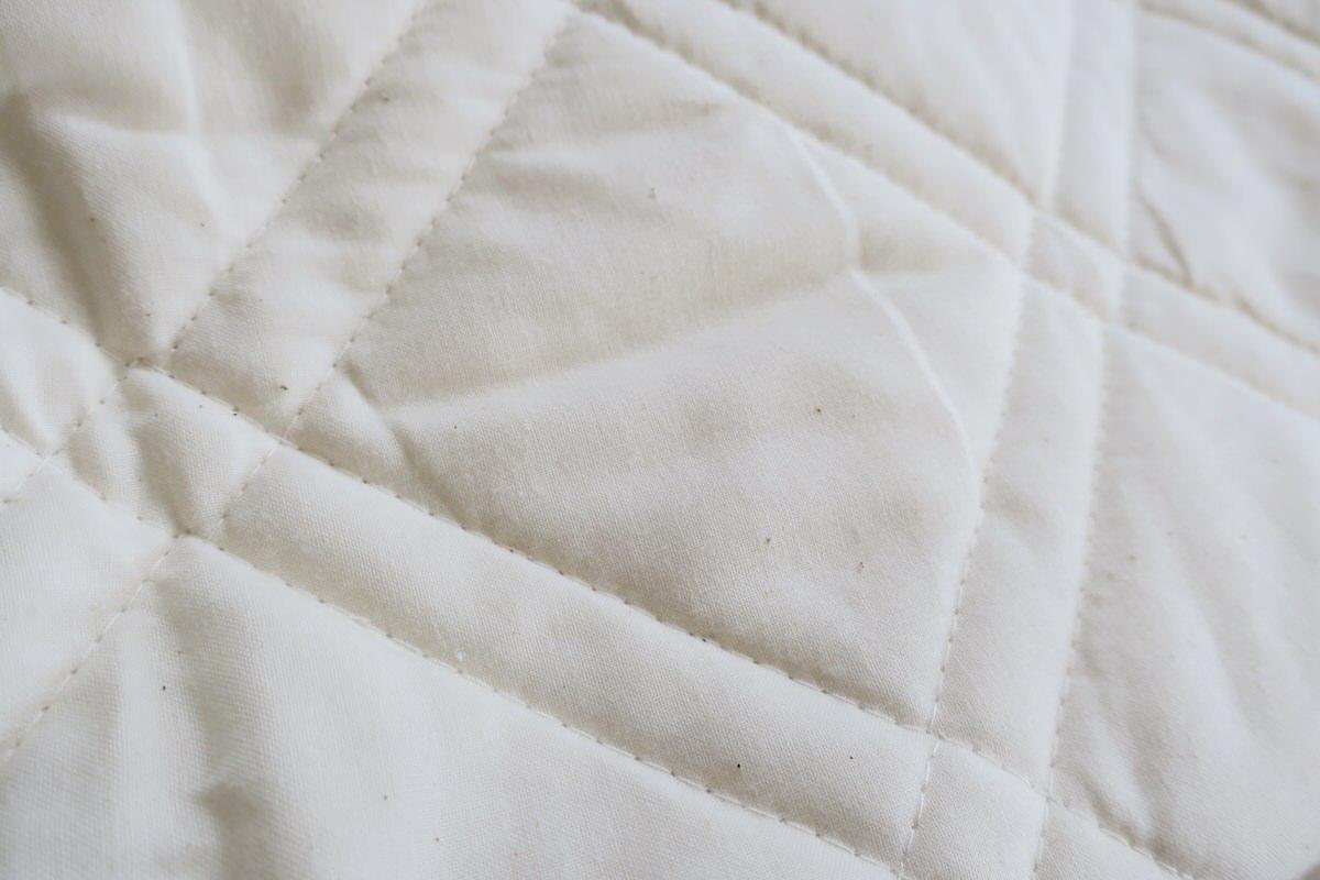 肌に優しい天然素材のベッドパッド