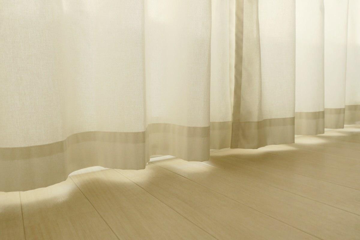 窓下ヒーターでカーテン下の冷気を防ぐ